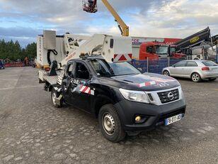 NISSAN NP 300 NAVARA 2.3DCI 160 auto dizalica s korpom nakon udesa