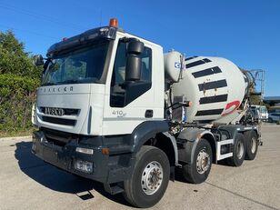 IVECO Trakker 410 kamion s mješalicom za beton